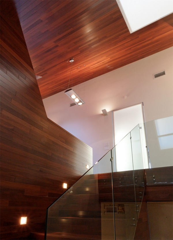 Stikliniai laiptų turėklai į antrą aukštą