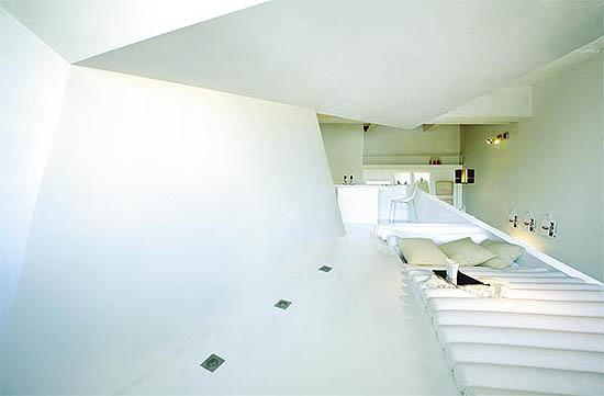 lova čiužinys sienų lankstinuke buto interjere