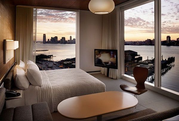 saulėtekis pro miegamojo langus