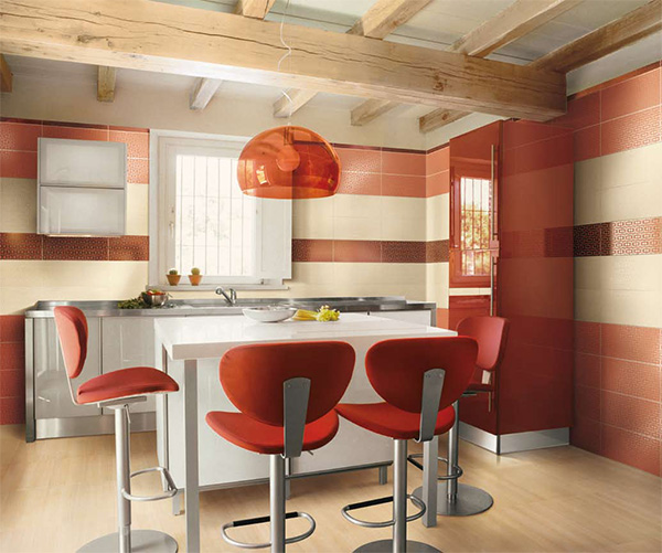 raudona rustiko virtuvė