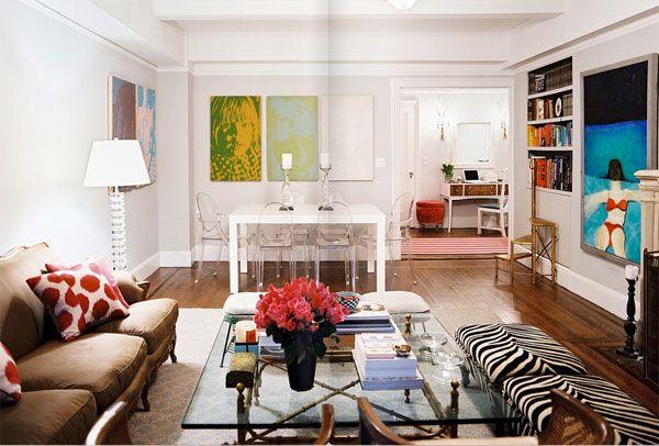 spalvingas svetainės kambario dizainas