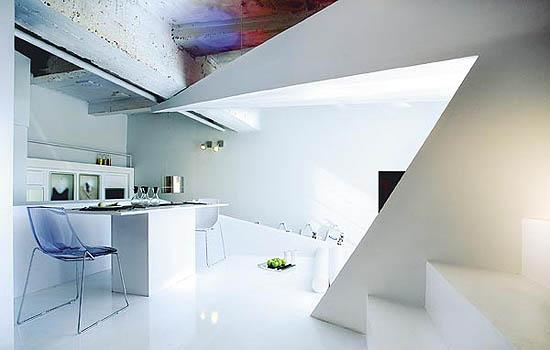 virtuvės kampas, laiptai į miegamojo zoną