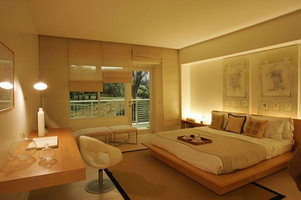 šviesių tonų miegamasis
