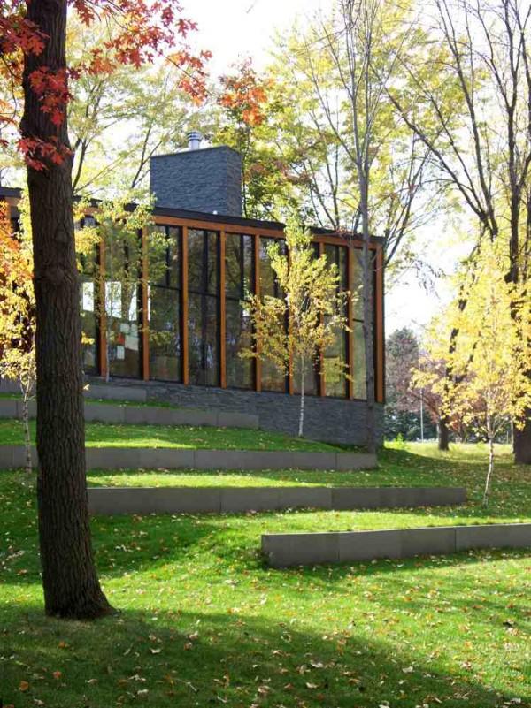 namas pavasarį altus architecture