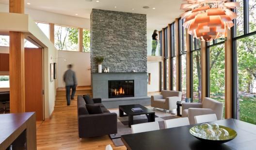 namo svetainės su židiniu interjeras altus architecture