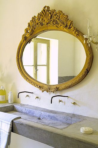 veidrodis vonios kambaryje