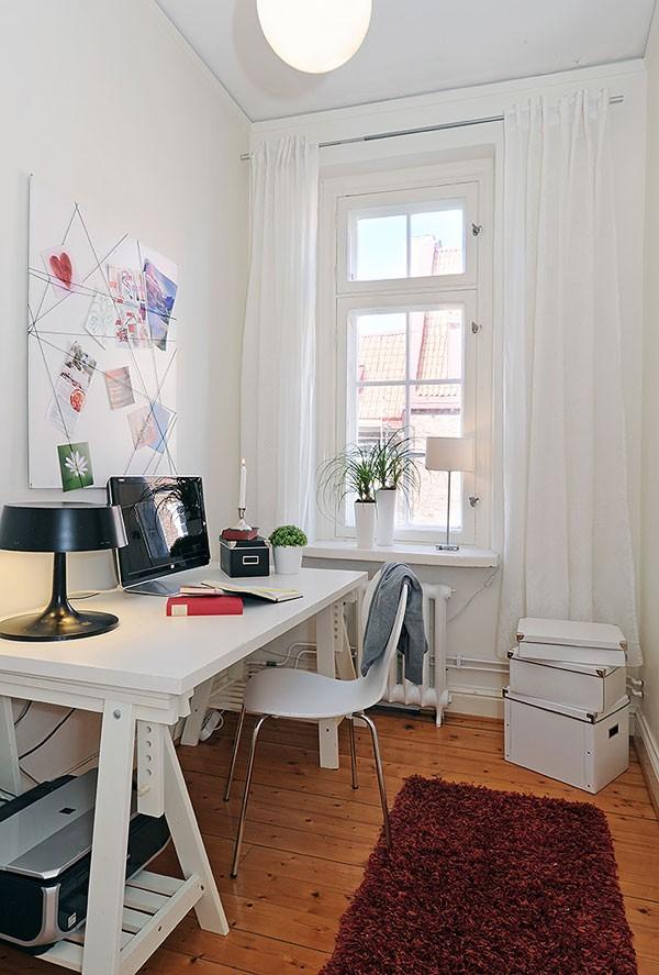 lentos su virvutėmis, užkišti atvirutėms, idėja darbo kambaryje