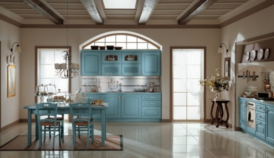 Ala-Cucine žydros spalvos baldai virtuvės interjere