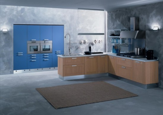 Di-lorio-Cucine virtuvės dizainas, sienoje integruotos mėlynos spintelės