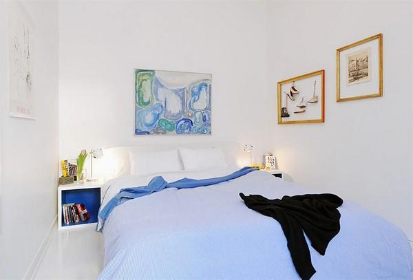 lengvai melsa antklodė ant lovos miegamąjame