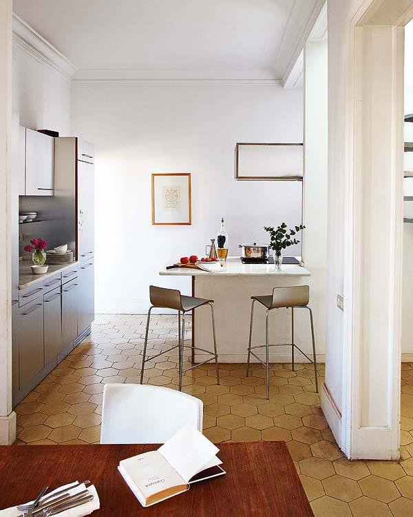baro kėdės virtuvės interjere