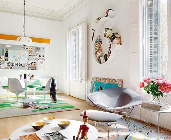 spalvingi kilimai buto svetainės interjere