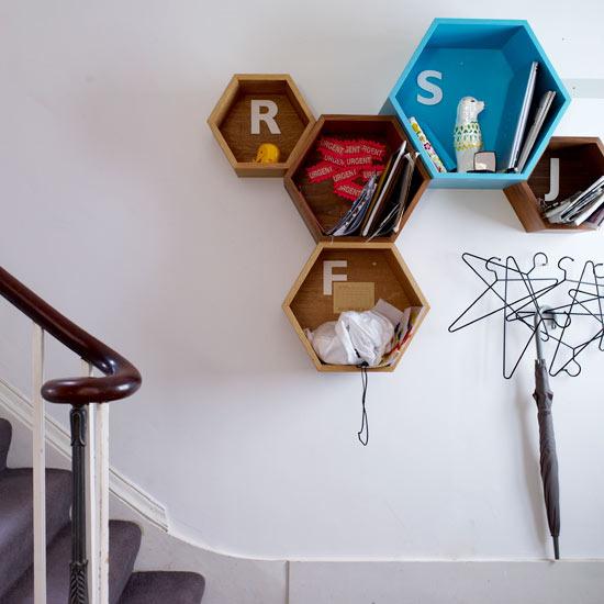 šešiakampio formos lentynos prieškambaryje