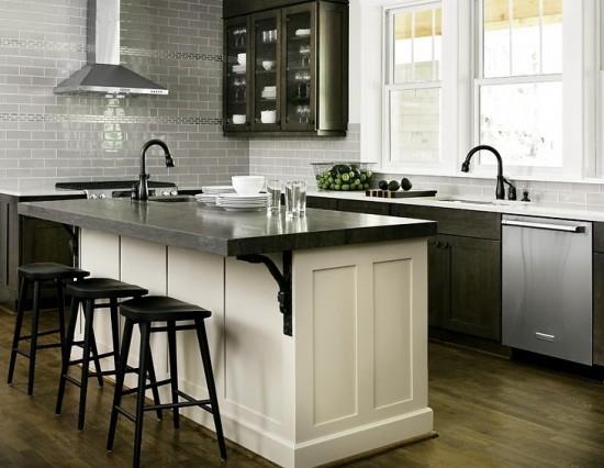 Virtuvės interjeras juodai baltame namo interjere interjere