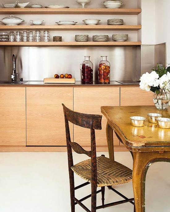 sena - nauja virtuvės interjero dizaine