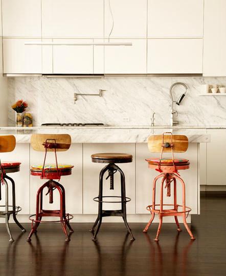 virtuvės interjeras, kėdės