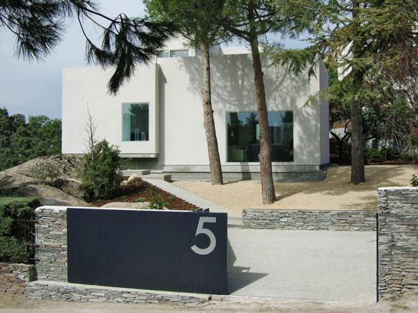 namo fasadas su namo numerio lentele