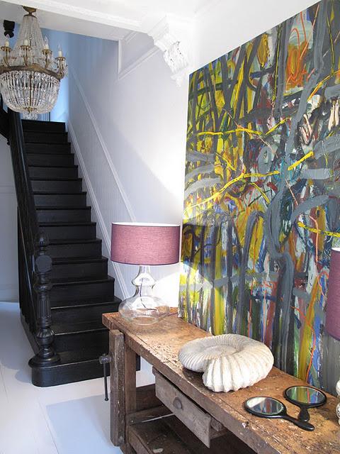 Paveikslas, juodi laiptai hole