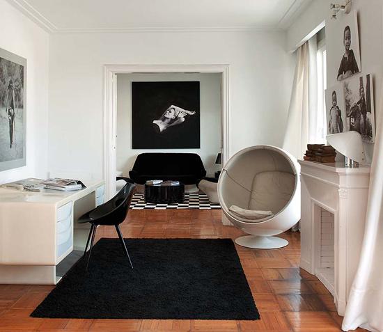 baltos sienos, baldai namų biure