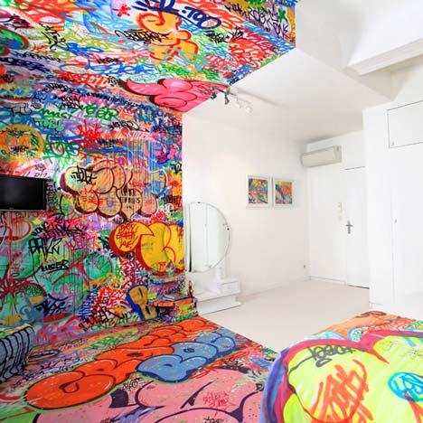 Grafiti viešbučio kambario interjere3