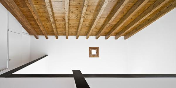 lubų, balkono turėklo linijos