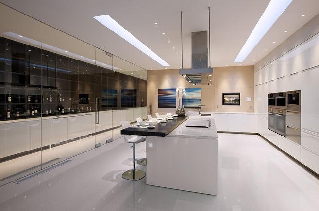 erdvus virtuvės interjeras