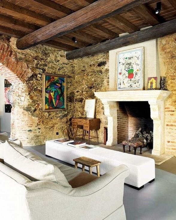 Rekonstrukcija, senos plytos, židinys, svetainės interjeras