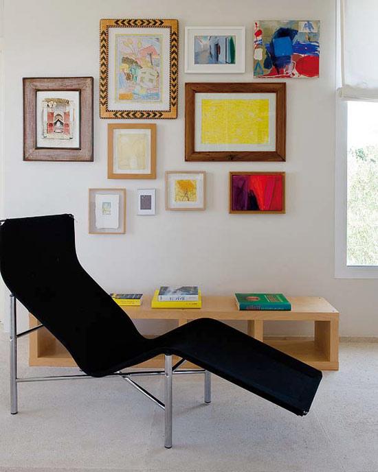 namo poilsio kambarys, paveikslai, krėslas