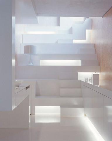 Balta palėpė dekoratyviniai laiptai ledynai