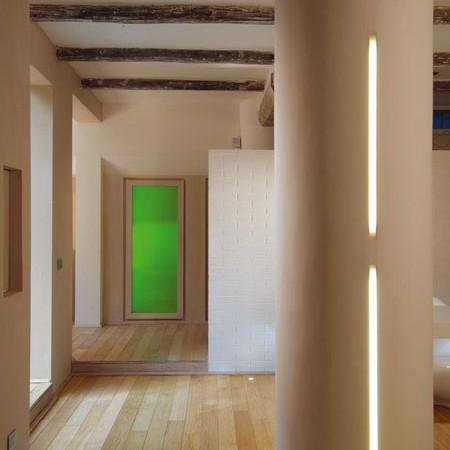 namo koridorius, žalios durys, sijos