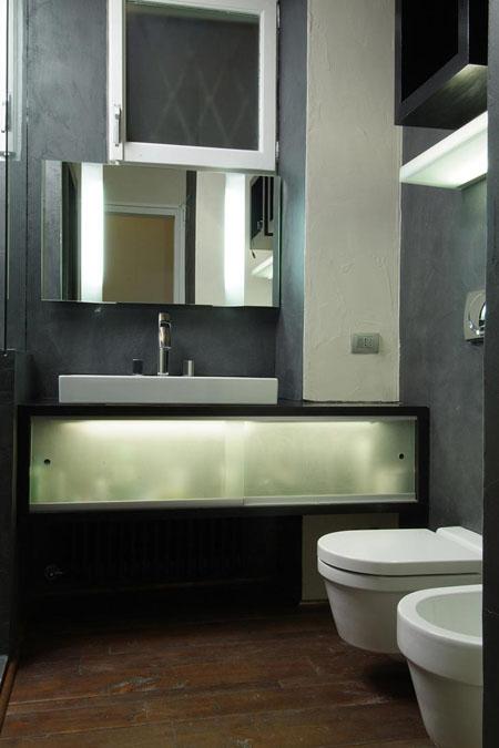 juodas vonios, wc interjeras