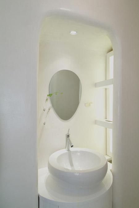 baltas vonios interjeras, apvalūs kampai 1