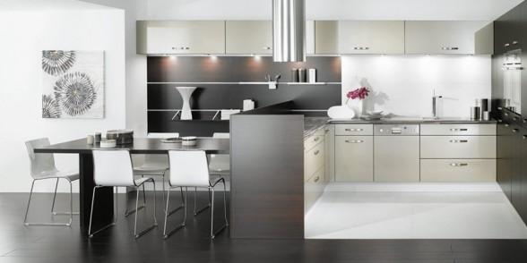 virtuvės dizainas, juoda balta nuotrauka, rausva, violetinė spalva