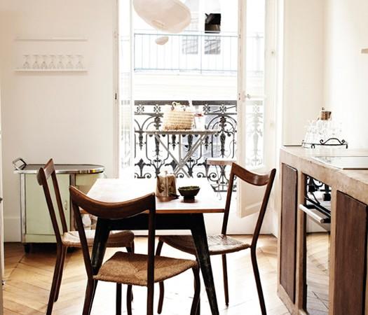 valgomojo erdvė virtuvėje