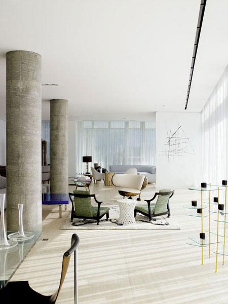 kolonos, linijų abstrakcija, baldai svetainėje