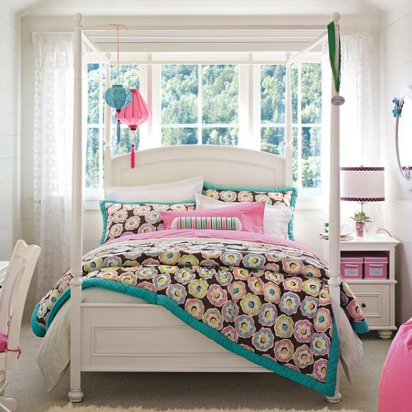 balta lova mergaitės kambario interjerui