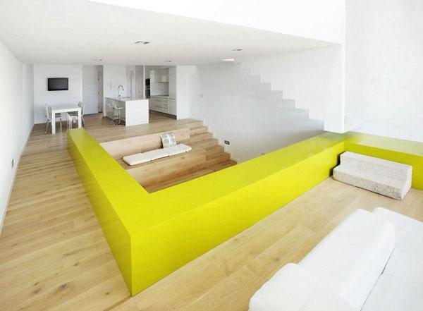 Terasinis namas bendra interjero erdvė
