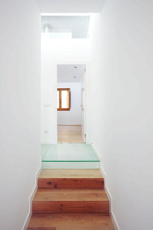 Terasinis namas, koridoriaus interjeras