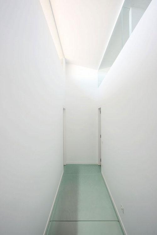 Terasinis namas, koridoriaus interjeras1