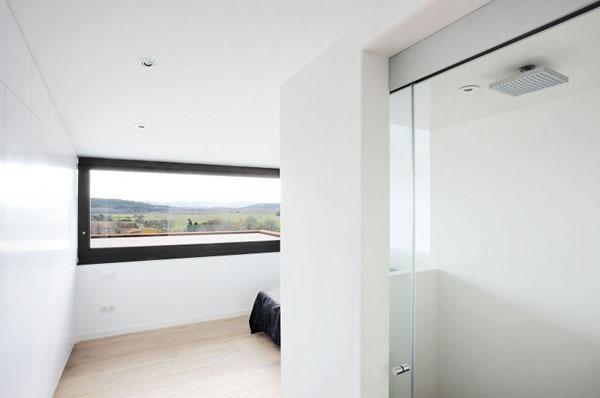 Terasinis namas, miegamasis kambarys, langas