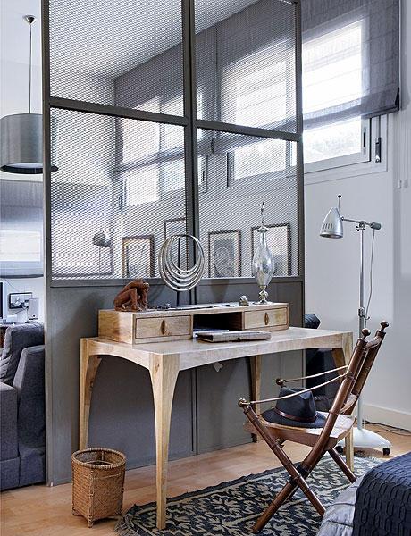 48 m2 buto interjeras, darbo kambarys