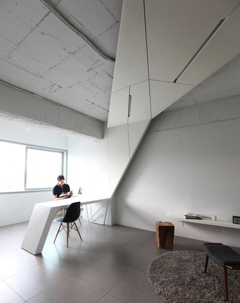 buto interjeras, stalas, siena, lubos viena konstrukcija