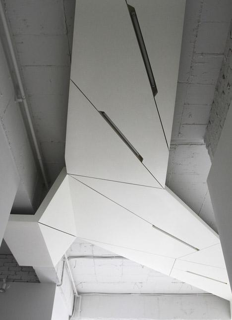 buto interjeras, lubų konstrukcija, šviestuvai