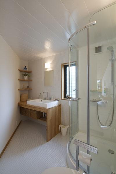 penkiakampio namo vonios kambarys