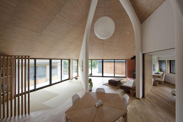 penkiakampio namo bendra erdvė