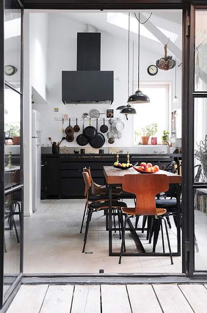 virtuvė, juodo metalo garų surinktuvas