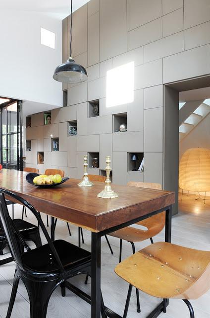 valgomojo stalas, siena su nišomis