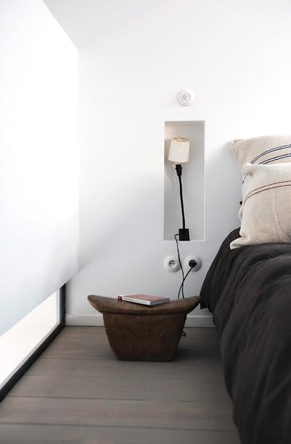 miegamasis, niša šviestuvui, balta spalva