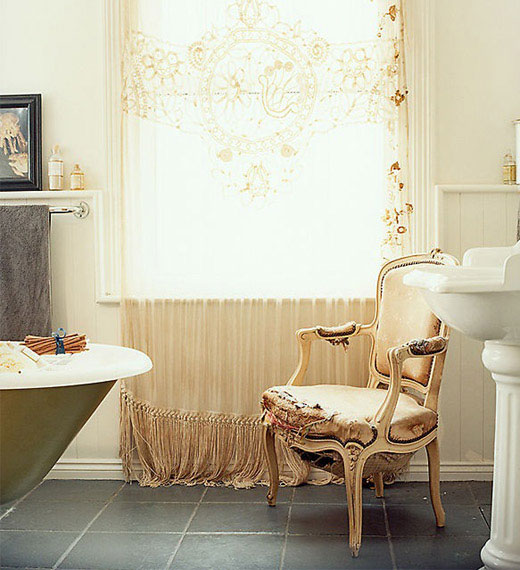 vintažininis vonios dekoras