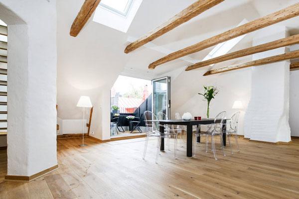baltos sienos, lubos, medinės sijos palėpėje13
